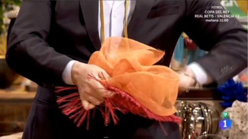 Lorenzo Caprile diseña el tocado